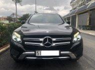 Cần Bán xe Mercedes GLC250 4Matic, Model 2017, màu Đen! giá 1 tỷ 630 tr tại Tp.HCM