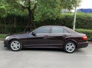 Cần bán Mercedes E250 năm 2010, màu nâu đăng ký 2011 giá 660 triệu tại Hà Nội