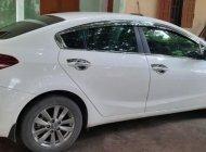 Cần bán gấp Kia Cerato 1.6 MT đời 2017, màu trắng chính chủ, bản đủ giá 480 triệu tại Thái Nguyên