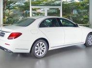 Giá tốt: E200 trắng hàng trưng bày, mới 99% giá 2 tỷ 50 tr tại Tp.HCM