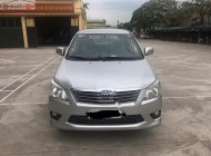 Cần bán gấp Toyota Innova 2.0E sản xuất năm 2012, màu bạc giá 382 triệu tại Hà Nội