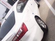 Bán ô tô Kia K5 2017, màu trắng còn mới, giá cạnh tranh giá 380 triệu tại Tp.HCM