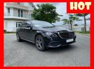Bán xe Mercedes E200 màu đen, nội thất nâu model 2017. Trả trước 600 triệu nhận xe ngay giá 1 tỷ 650 tr tại Tp.HCM