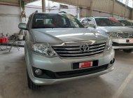 Bán Toyota Fortuner 2.7V 4X2 AT đời 2012, màu bạc giá 680 triệu tại Tp.HCM