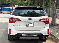 Cần bán lại xe Kia Sorento 2.4AT năm sản xuất 2017, màu trắng, giá tốt giá 725 triệu tại Tp.HCM
