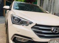 Cần bán Hyundai Santa Fe 2.4 2017, màu trắng xe gia đình giá 980 triệu tại Tp.HCM