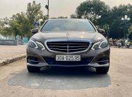 Bán Xe Mercedes E200 đời 2013, màu nâu giá 999 triệu tại Hà Nội
