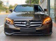 Cần bán gấp Mercedes E250 năm sản xuất 2017, màu nâu giá 2 tỷ 39 tr tại Hà Nội