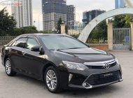 Cần bán xe Toyota Camry 2.5Q 2018, màu đen giá 1 tỷ 135 tr tại Hà Nội