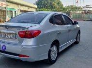 Cần bán gấp Hyundai Avante 1.6 MT sản xuất năm 2015, màu bạc, 325tr giá 325 triệu tại Hà Nội