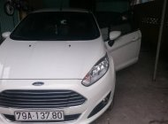 Cần bán gấp Ford Fiesta AT sản xuất 2017, màu trắng số tự động giá 470 triệu tại Khánh Hòa