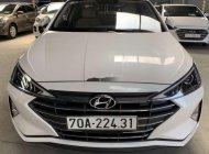 Xe Hyundai Elantra 1.6MT đời 2019, màu trắng số sàn, giá tốt giá 548 triệu tại Tp.HCM