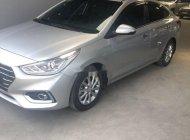 Cần bán gấp Hyundai Accent 1.4AT năm sản xuất 2018, màu bạc số tự động giá cạnh tranh giá 496 triệu tại Tp.HCM