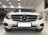 Cần bán gấp Mercedes GLC250 sản xuất 2018, màu trắng giá 1 tỷ 680 tr tại Hà Nội