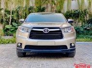 Xe chính chủ bán Toyota Highlander LE 2.7L 2016 màu vàng cát, nội thất kem, nhập khẩu giá 1 tỷ 590 tr tại Hà Nội
