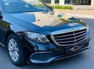 Bán xe cũ Mercedes E200 đời 2017, màu đen giá 1 tỷ 599 tr tại Tp.HCM