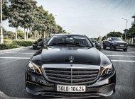 Cần bán xe Mercedes E200 đời 2017, màu đen giá 1 tỷ 650 tr tại Tp.HCM