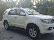 Cần bán lại xe Toyota Fortuner 2.7 V AT đời 2009, màu trắng số tự động, giá 388tr giá 388 triệu tại Đồng Tháp