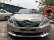 Cần bán gấp Toyota Camry 2.0E đời 2013 chính chủ, 665tr giá 665 triệu tại Hà Nội