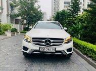 Cần bán xe Mercedes GLC250 năm sản xuất 2017, màu trắng giá 1 tỷ 599 tr tại Hà Nội