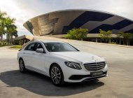 Bán xe với giá thấp với chiếc Mercedes-Benz E200 Exclusive, sản xuất 2020, giao nhanh giá 2 tỷ 290 tr tại Tp.HCM