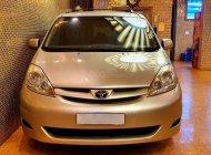Cần bán xe Toyota Sienna LE sản xuất năm 2008, màu vàng cát, số tự động giá 505 triệu tại Tp.HCM