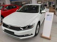 Bán Volkswagen Passat Bluemotion Comfort đời 2018, màu trắng, nhập khẩu nguyên chiếc giá 1 tỷ 380 tr tại Quảng Ninh