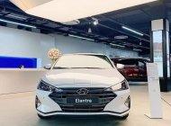 Cần bán xe Hyundai Elantra 1.6 MT đời 2019, màu trắng, giá cạnh tranh giá 550 triệu tại Gia Lai