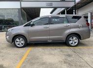 Cần bán Toyota Innova 2.0V đời 2019, màu bạc giá Giá thỏa thuận tại Tp.HCM