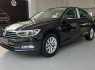 Volkswagen Passat Comfort, màu đen tặng quà khủng, hỗ trợ trả góp giá 1 tỷ 480 tr tại Quảng Ninh