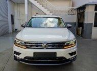 Volkswagen Tiguan Topline màu trắng, nhập khẩu tặng quà hấp dẫn giá 1 tỷ 799 tr tại Quảng Ninh