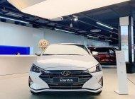 Bán xe Hyundai Elantra 1.6 đời 2020, màu trắng giá 560 triệu tại Gia Lai