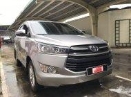 Cần bán lại xe Toyota Innova 2.0 E năm 2017, màu bạc giá Giá thỏa thuận tại Tp.HCM