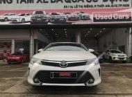 Cần bán gấp Toyota Camry 2.0E 2016, màu trắng, 800 triệu giá 800 triệu tại Tp.HCM