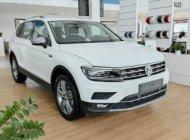 Volkswagen Tiguan Luxury Topline - Xe Đức nhập khẩu nguyên chiếc - Giảm 120tr tiền mặt - Giao xe ngay giá 1 tỷ 799 tr tại Quảng Ninh