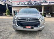 Cần bán Toyota Innova E đời 2018, màu bạc siêu chất -xe đẹp như mới - giá còn fix giá 670 triệu tại Tp.HCM