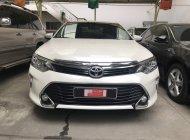 Cần bán lại xe Toyota Camry 2.5Q 2018, màu trắng biển SG chuẩn chỉ 42.760km siêu chất giá 1 tỷ 30 tr tại Tp.HCM