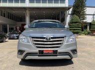 Cần bán lại xe Toyota Innova 2.0E đời 2016, màu bạc, đi 113.000km giá tốt giá 560 triệu tại Tp.HCM