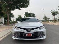 Cần bán gấp Toyota Camry 2.5Q 2019, màu trắng, nhập Thái Lan, biển 93A- 52.000km - giá Fix đẹp giá 1 tỷ 260 tr tại Tp.HCM