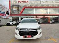 Cần bán Toyota Innova 2.0V năm 2016, màu trắng, biển SG - Chuẩn 106.000km - Giá cả thương lượng giá 695 triệu tại Tp.HCM