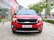 KIA Seltos Premium 2021 Màu Đỏ Đen Giao Liền. Đưa trước 244 Triệu. Hotline: 0901 078 222 -  Quang giá 709 triệu tại Tp.HCM