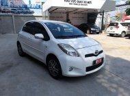 Cần bán gấp Toyota Yaris 1.3 đời 2012, màu trắng, nhập khẩu giá 380 triệu tại Tp.HCM