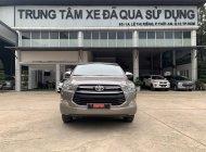 Cần bán lại xe Toyota Innova 2.0E đời 2018, màu bạc giá 600 triệu tại Đồng Nai