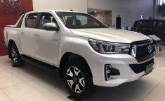 Toyota Hilux có thêm trang bị an toàn, tăng giá từ 18-20 triệu