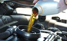 Ô tô chạy bao nhiêu km thì cần thay dầu nhớt?