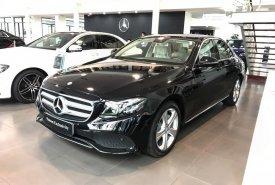 Bán Mercedes E250 2017 chính chủ chạy lướt giá cực tốt giá 2 tỷ 190 tr tại Hà Nội