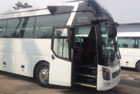 Bán xe khách 47 chỗ, máy Weichai, bầu hơi, kiểu dáng Universe 2017 giá 2 tỷ 450 tr tại Hà Nội