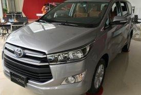 Bán Toyota Innova 2.0E đời 2018, màu bạc giá 728 triệu tại Hà Nội