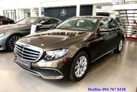 Bán Mercedes E200 2018 màu nâu chính chủ chạy lướt giá tốt giá 1 tỷ 959 tr tại Hà Nội