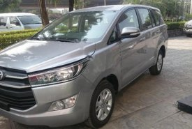 Bán xe Toyota Innova 2.0E đời 2018, màu bạc  giá 704 triệu tại Hà Nội